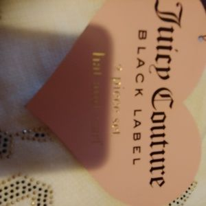 Nwt 2 live juicy couture hat / scarf set